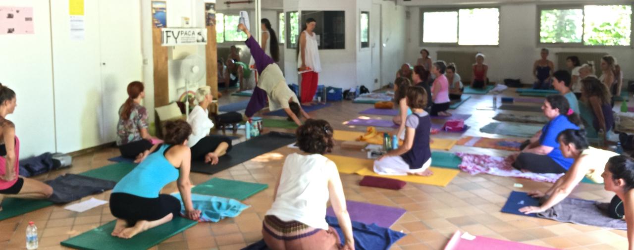 Cours de Yoga avec Nathalie Moulis